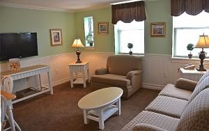 Deluxe One Bedroom Livingroom