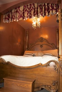 Ocean City Mansion Chocolate Queen Bed
