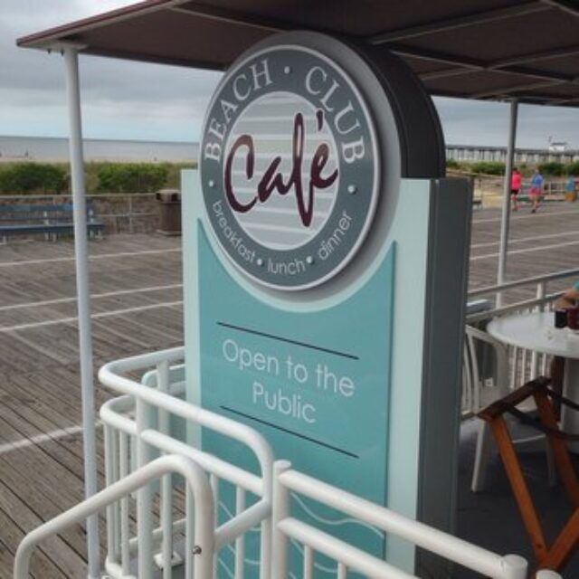 Cafe Beach Club